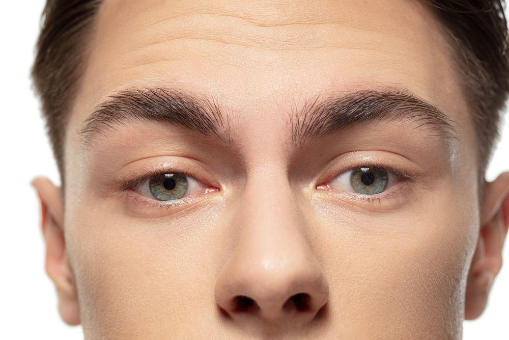 крупный план глаз подростка